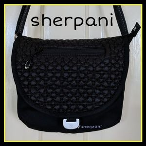 sherpani milli le crossbody messenger bag black
